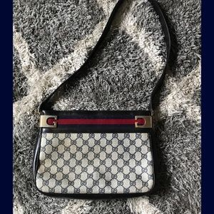 ✨Gucci Shoulder Bag✨